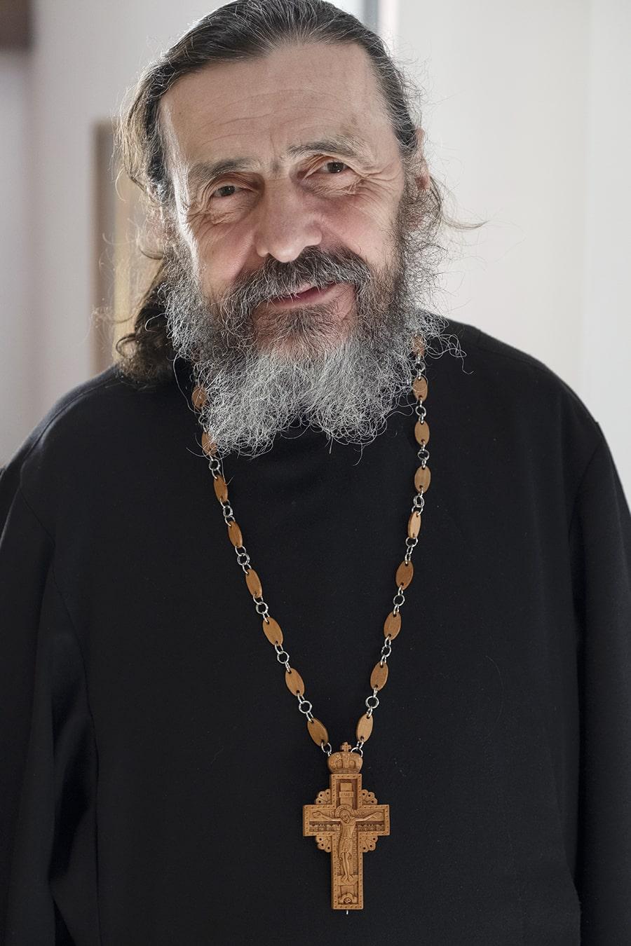 priest Valery Zakharov